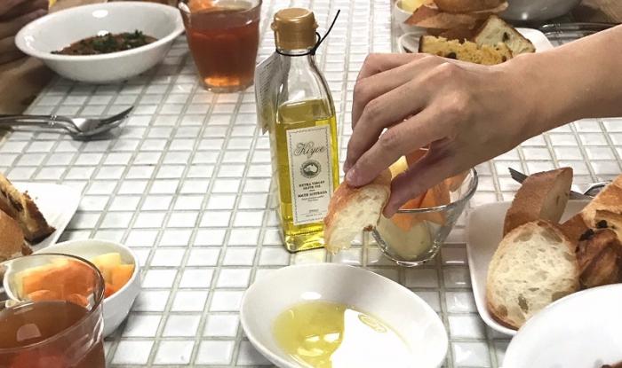 高級オリーブオイル「キヨエ」サンプリング実施中です!