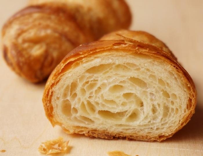1月酵母基礎、体験レッスン(クロワッサン、ラムレーズンのころころパン)