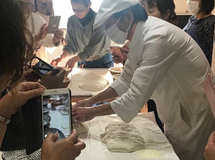 パンの小屋真田シェフによる特別講習会を開催しました!